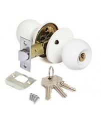 Защёлка AVERS 6072-01-W (белая, ключ/фиксатор)