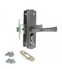 Защёлка с фиксатором в комплекте с ручками AVERS ЗЩ1Д-2-6 (серебро)